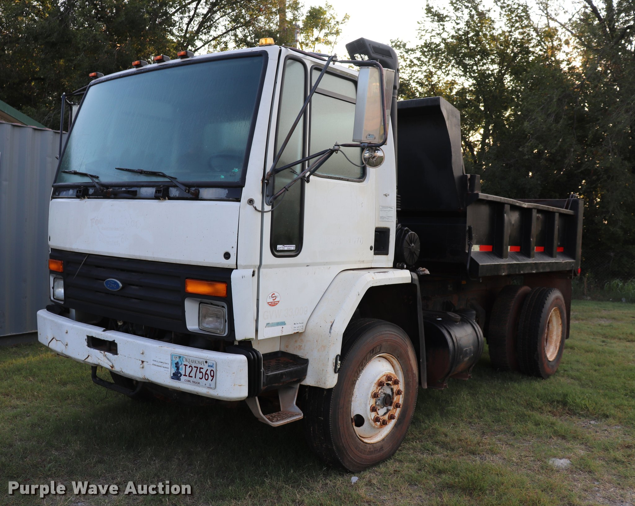 DQ9371 image for item DQ9371 1994 Ford CF8000 dump truck
