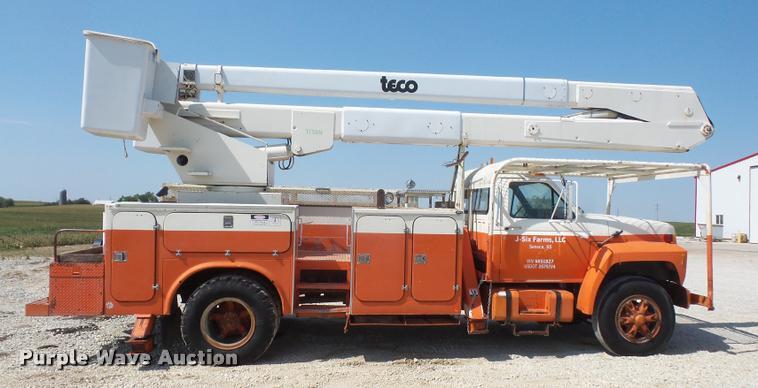 1985 Ford F800 bucket truck | Item DC5356 | SOLD! October 12