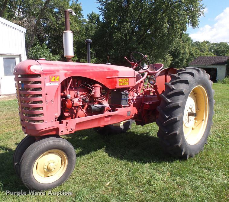 1952 Massey-Harris 44 tractor | Item DH9715 | SOLD! October