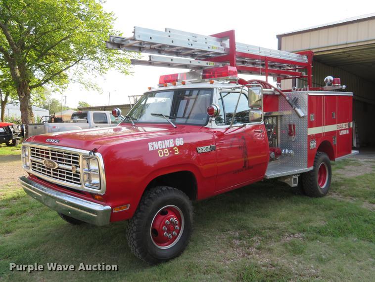 1980 Dodge Ram Power Wagon 400 Pierce mini pumper fire truck