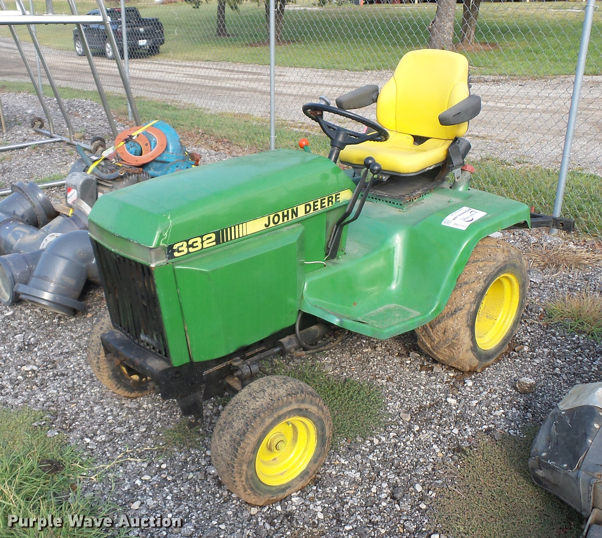 John Deere 332 >> John Deere 332 Lawn Tractor Item Dd2113 Sold October 25