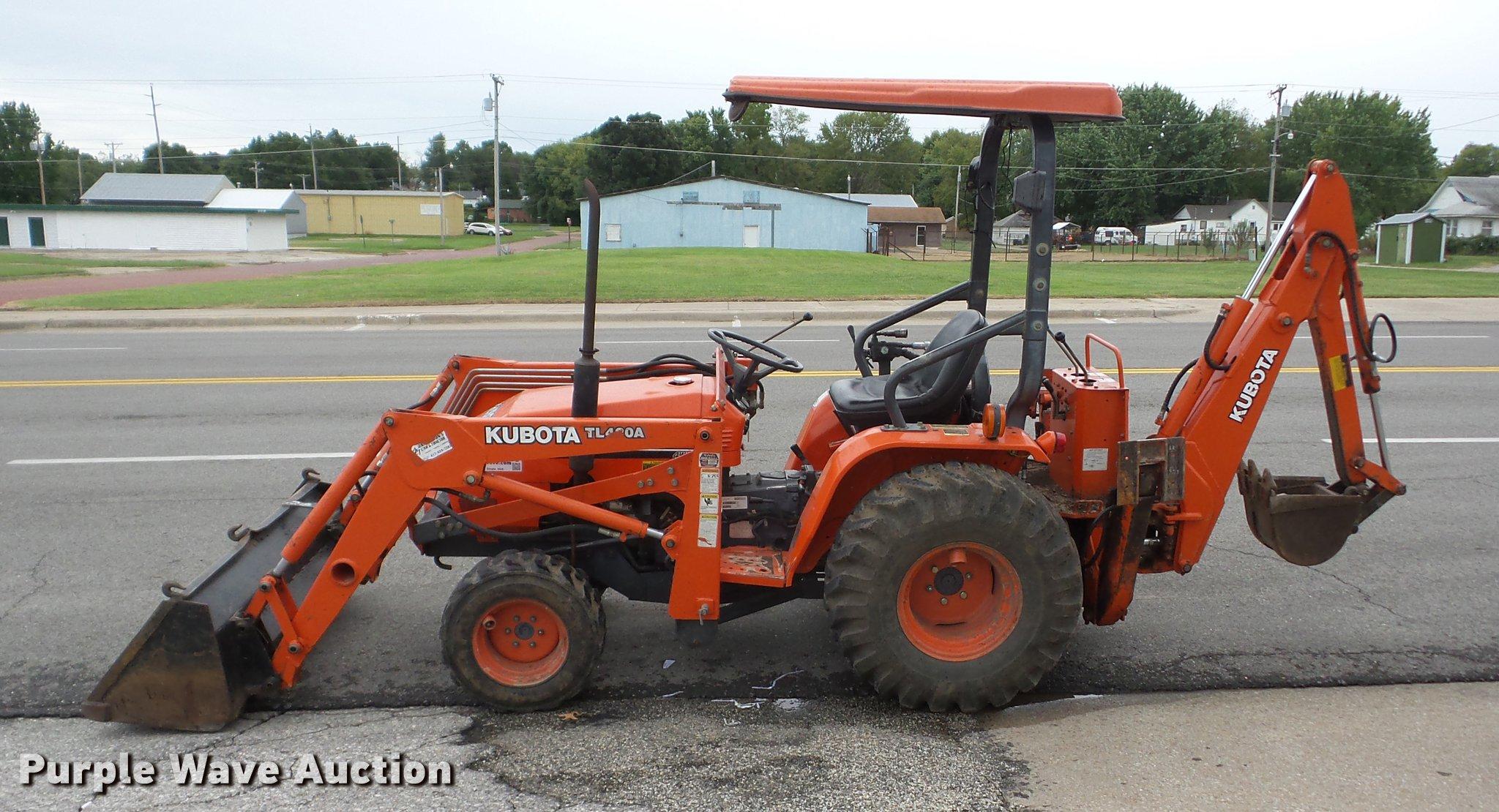 Kubota B20 MFWD tractor | Item K6370 | SOLD! October 26 A1 E