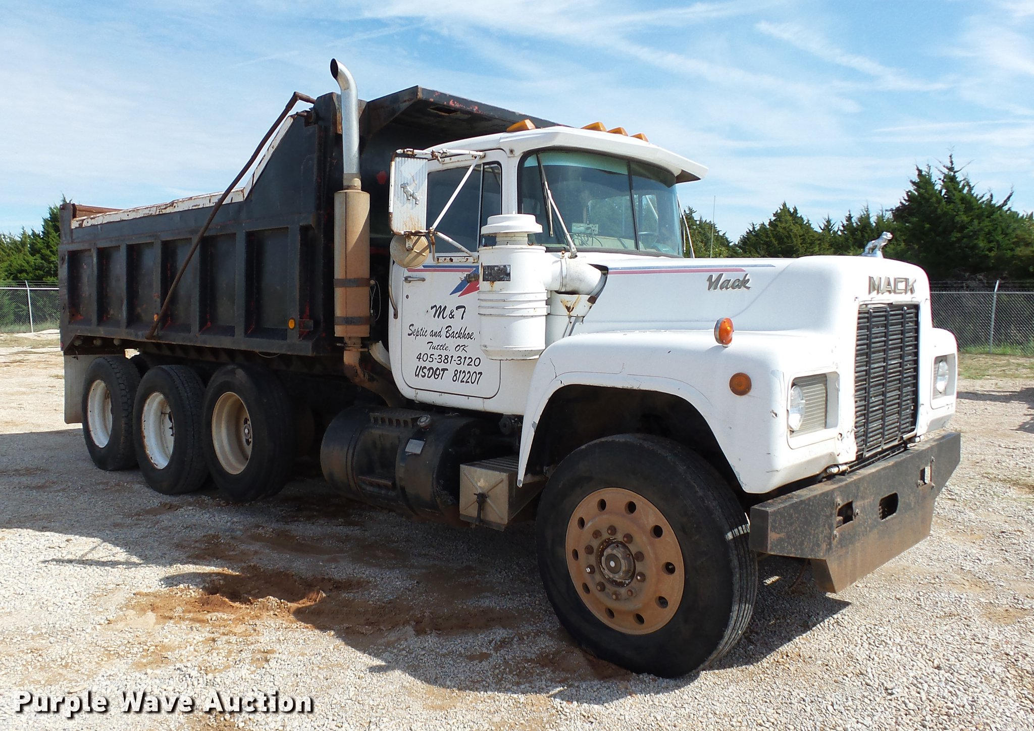 1985 Mack R686ST dump truck | Item DB4198 | SOLD! October 26