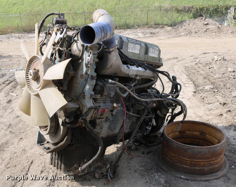 Detroit Diesel Series 60 12 7L six cylinder diesel engine |