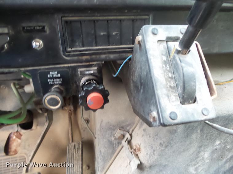 1995 International 4900 dump truck | Item DB7382 | SOLD! Nov