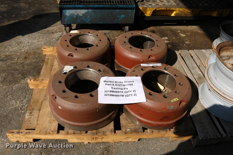 Meritor brake drums | Item DM9444 | SOLD! November 7 Governm