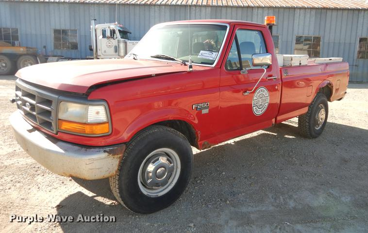 K5856 Image For Item 1996 Ford F250 XL Pickup Truck