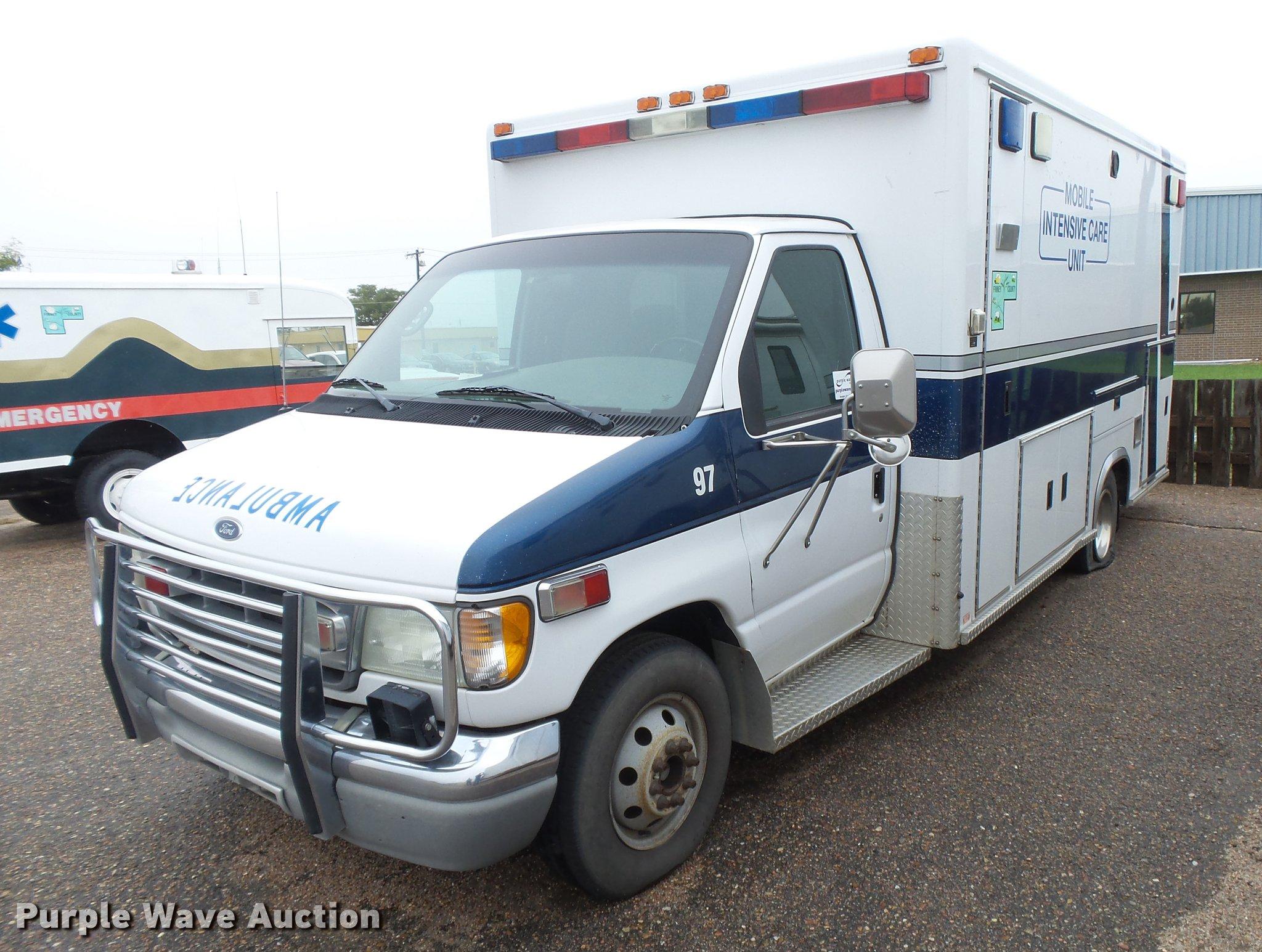 2001 Ford Econoline E450 Super Duty ambulance | Item DC3802