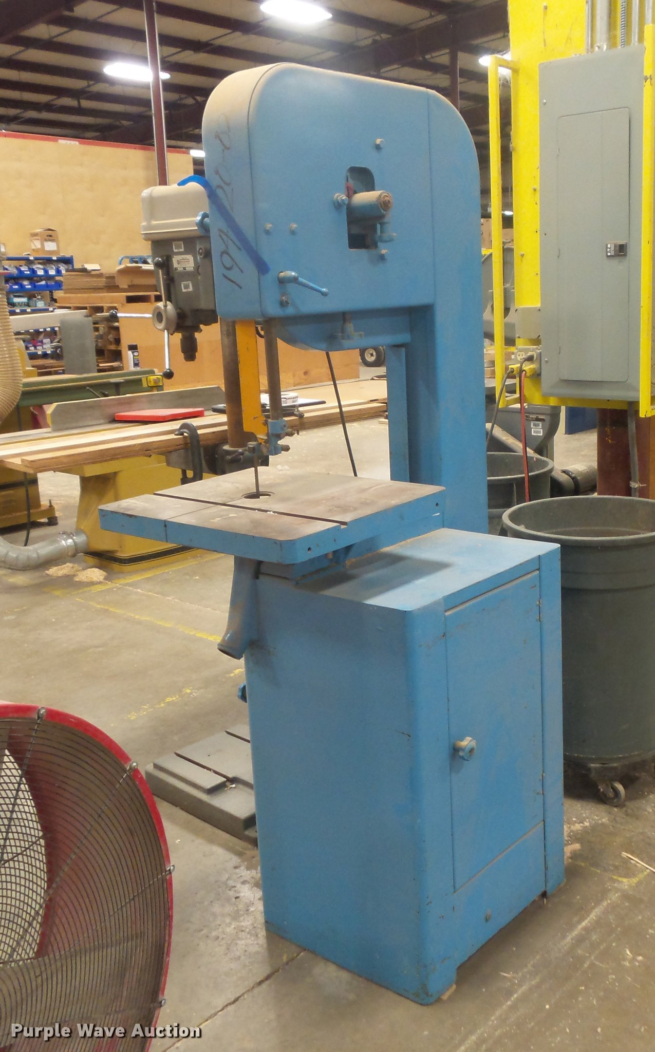 delta milwaukee band saw item de9250 sold november 7 go