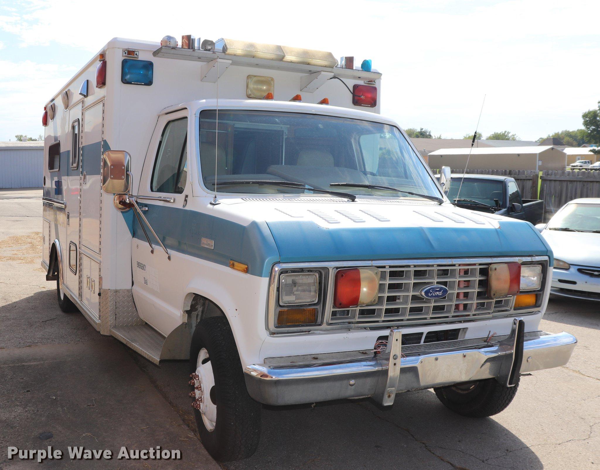 1987 Ford Econoline E350 ambulance   Item ED9595   SOLD! Nov