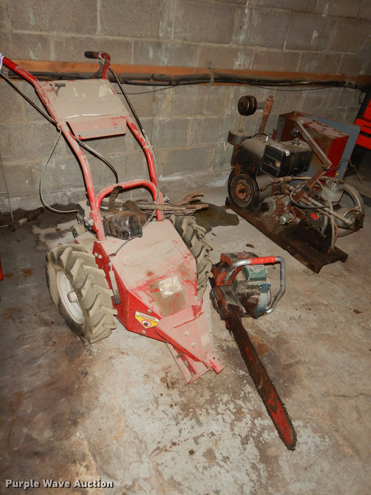 Lawn and garden equipment | Item EE9099 | SOLD! November 7 G...