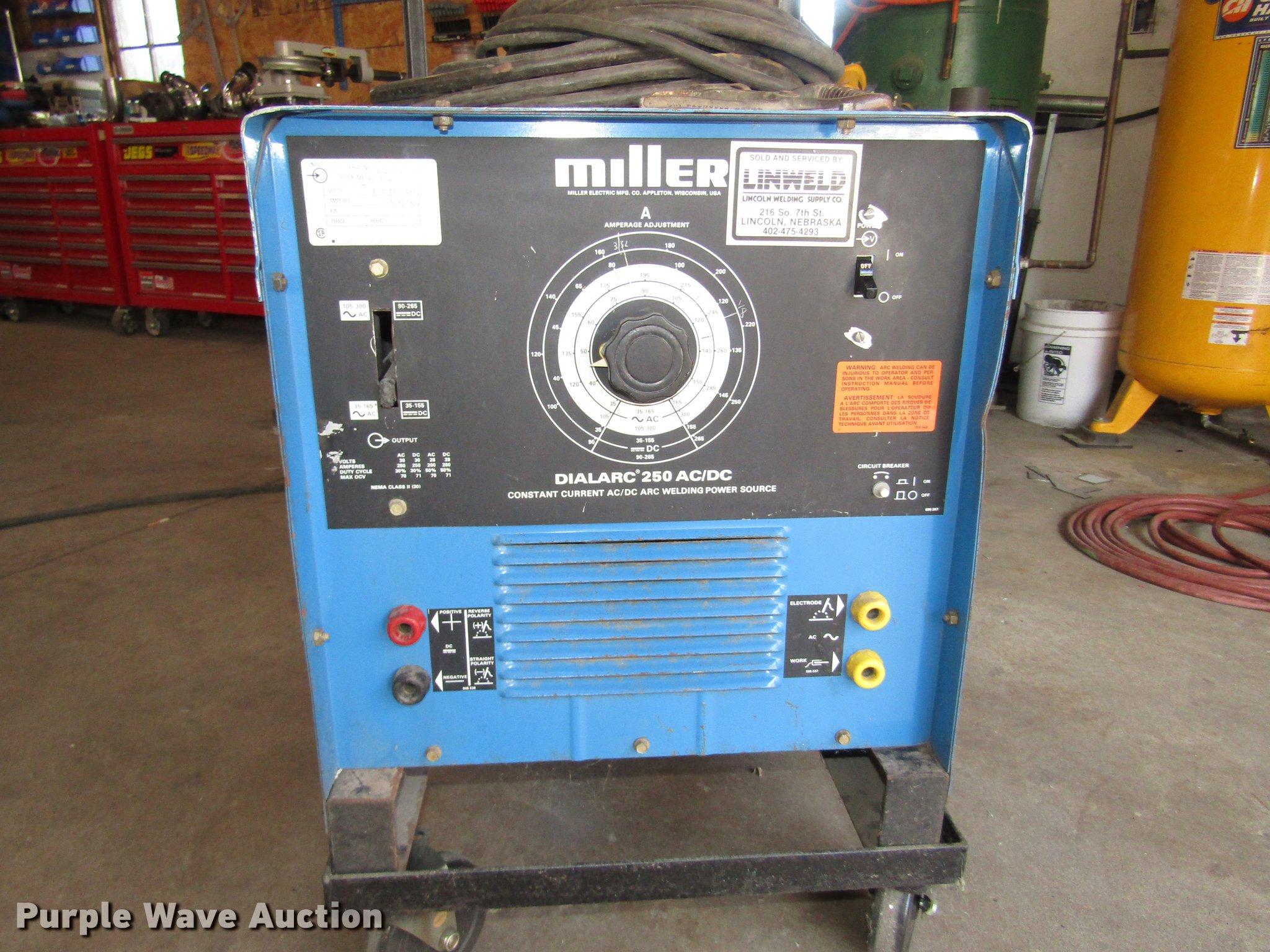 Miller Dialarc 250 welder | Item DO9114 | SOLD! November 8 V...