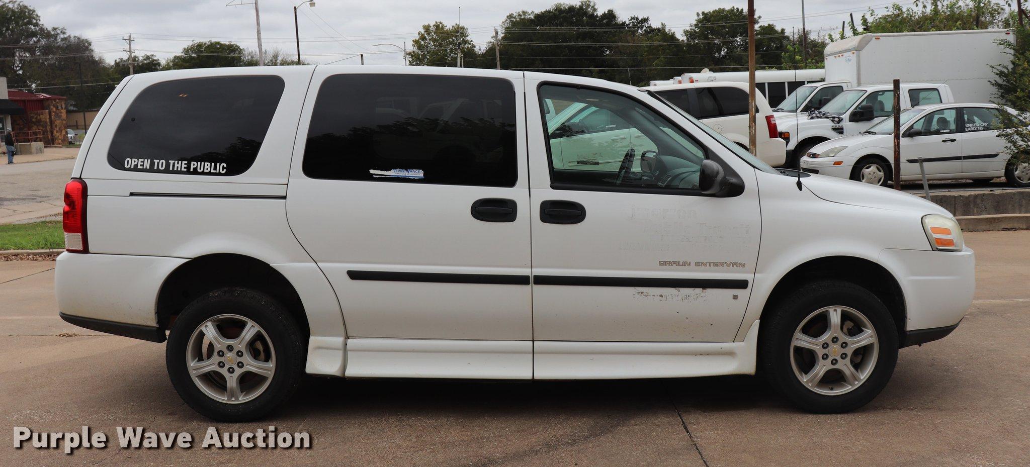 All Chevy 2008 chevy venture van : 2008 Chevrolet Uplander handicap accessible van | Item ED962...