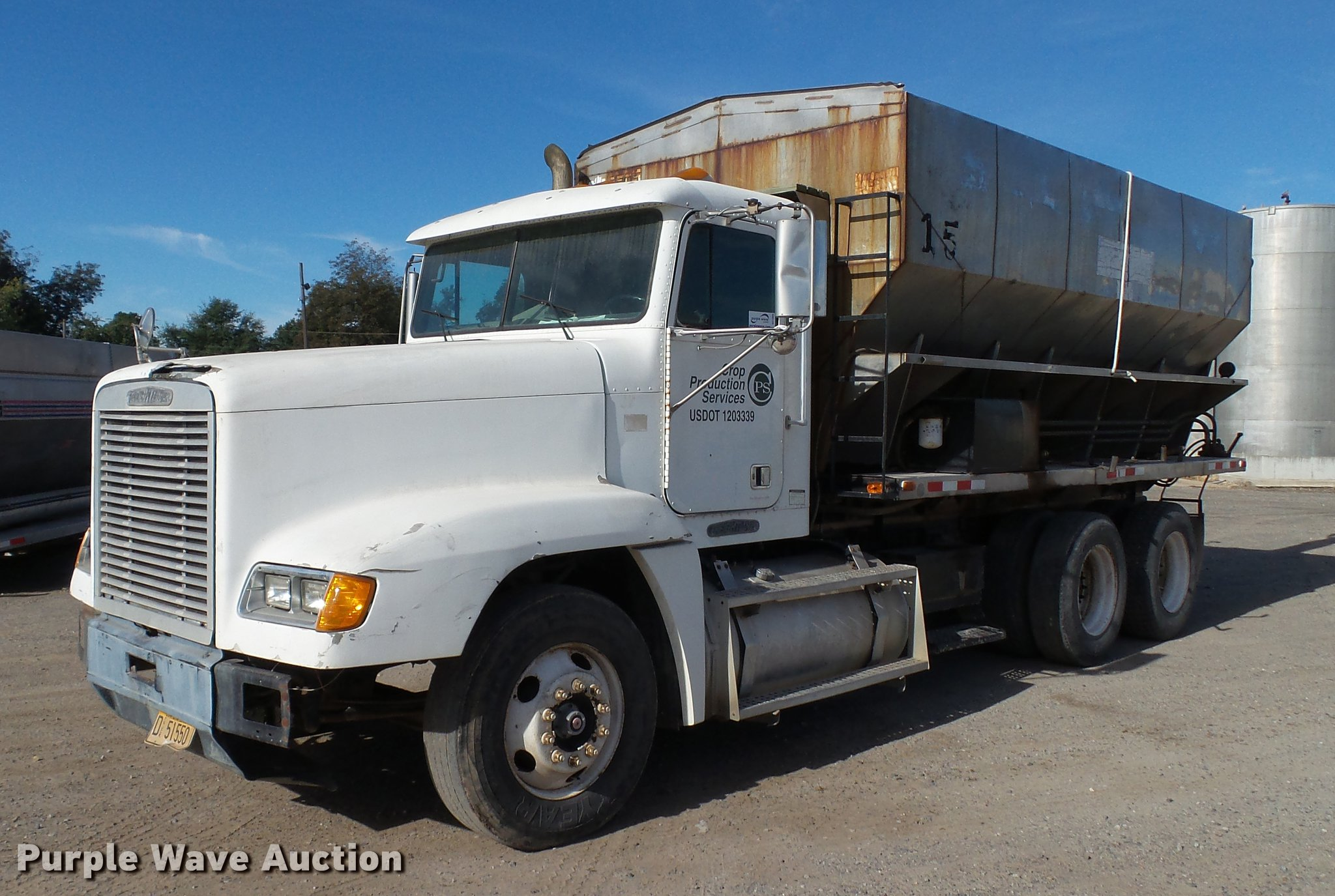 DC1009 Image For Item 1996 Freightliner FLD