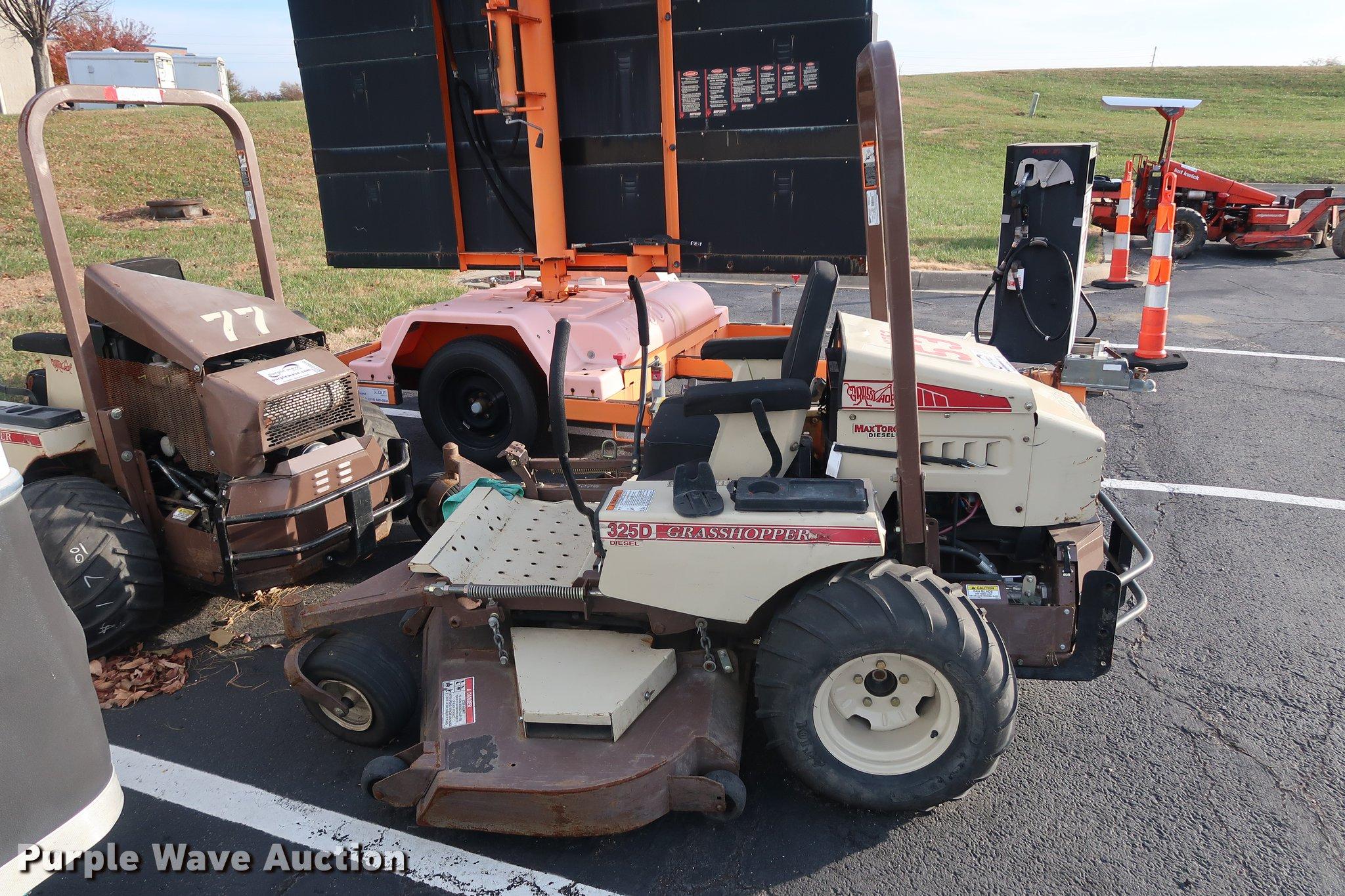Grasshopper 325D ZTR lawn mower   Item DA6551   SOLD! Decemb