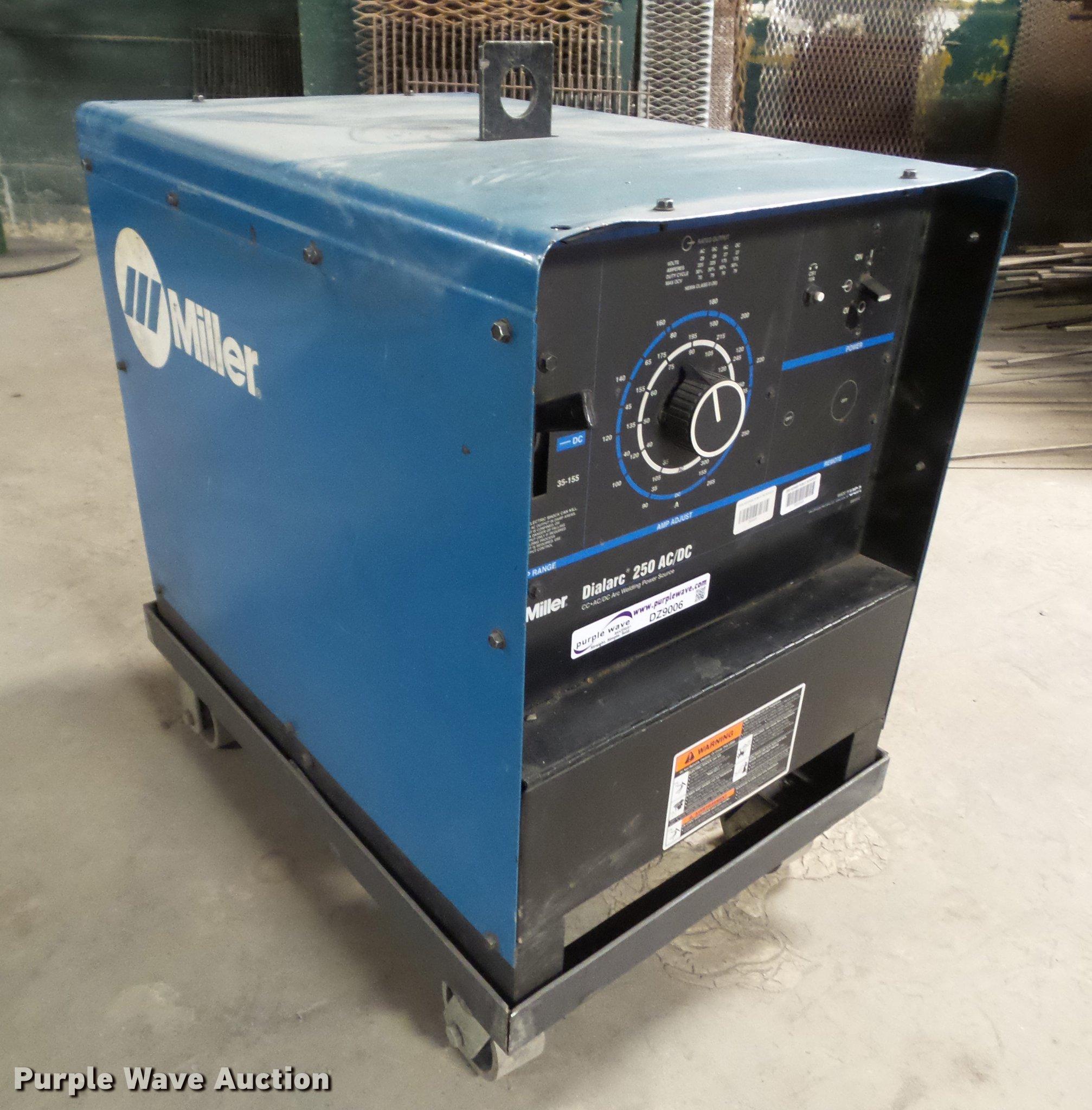 DZ9006 image for item DZ9006 Miller Dialarc 250 AC/DC welder