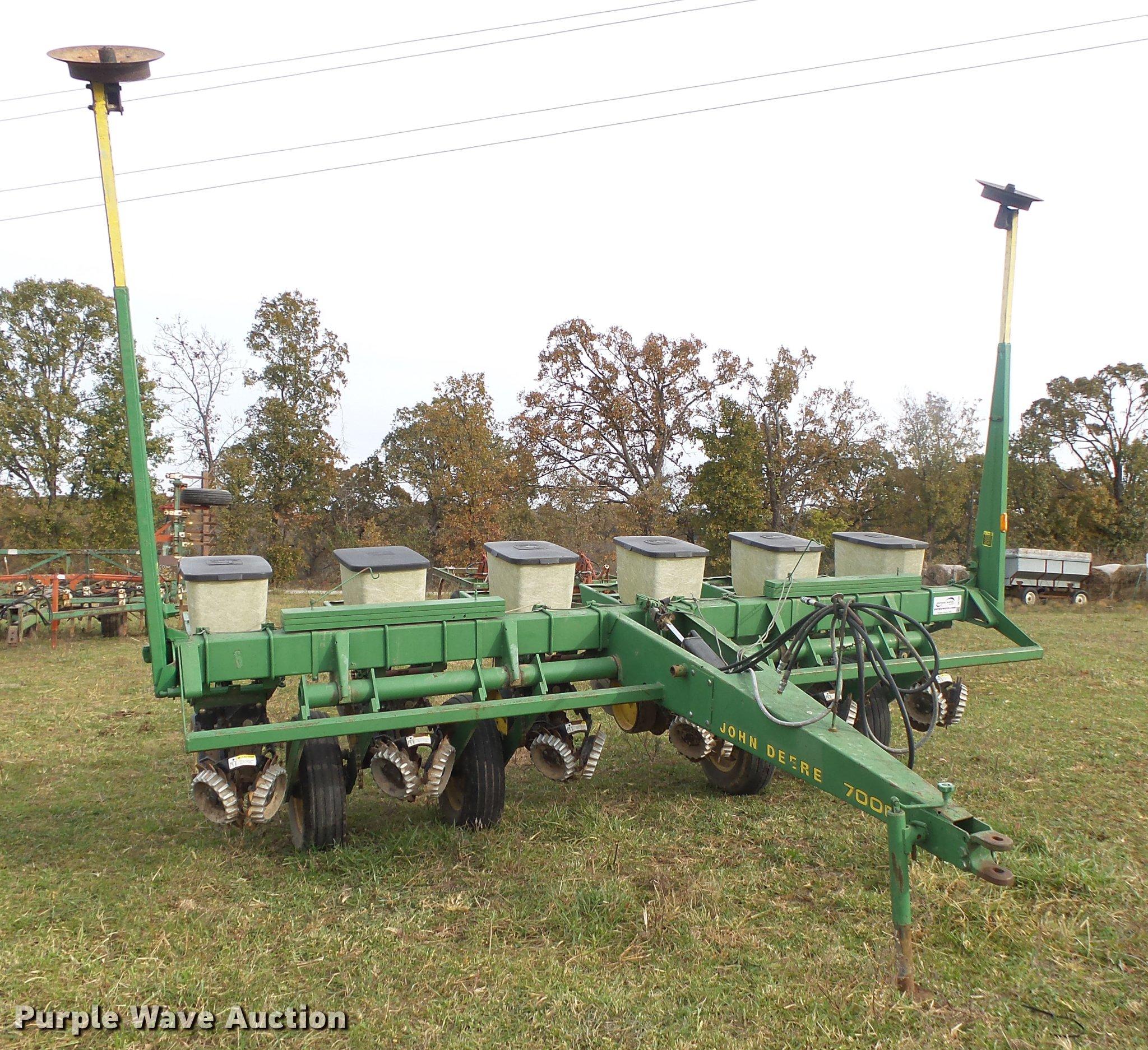 John Deere 7000 Planter Item Db7355 Sold December 6 Ag