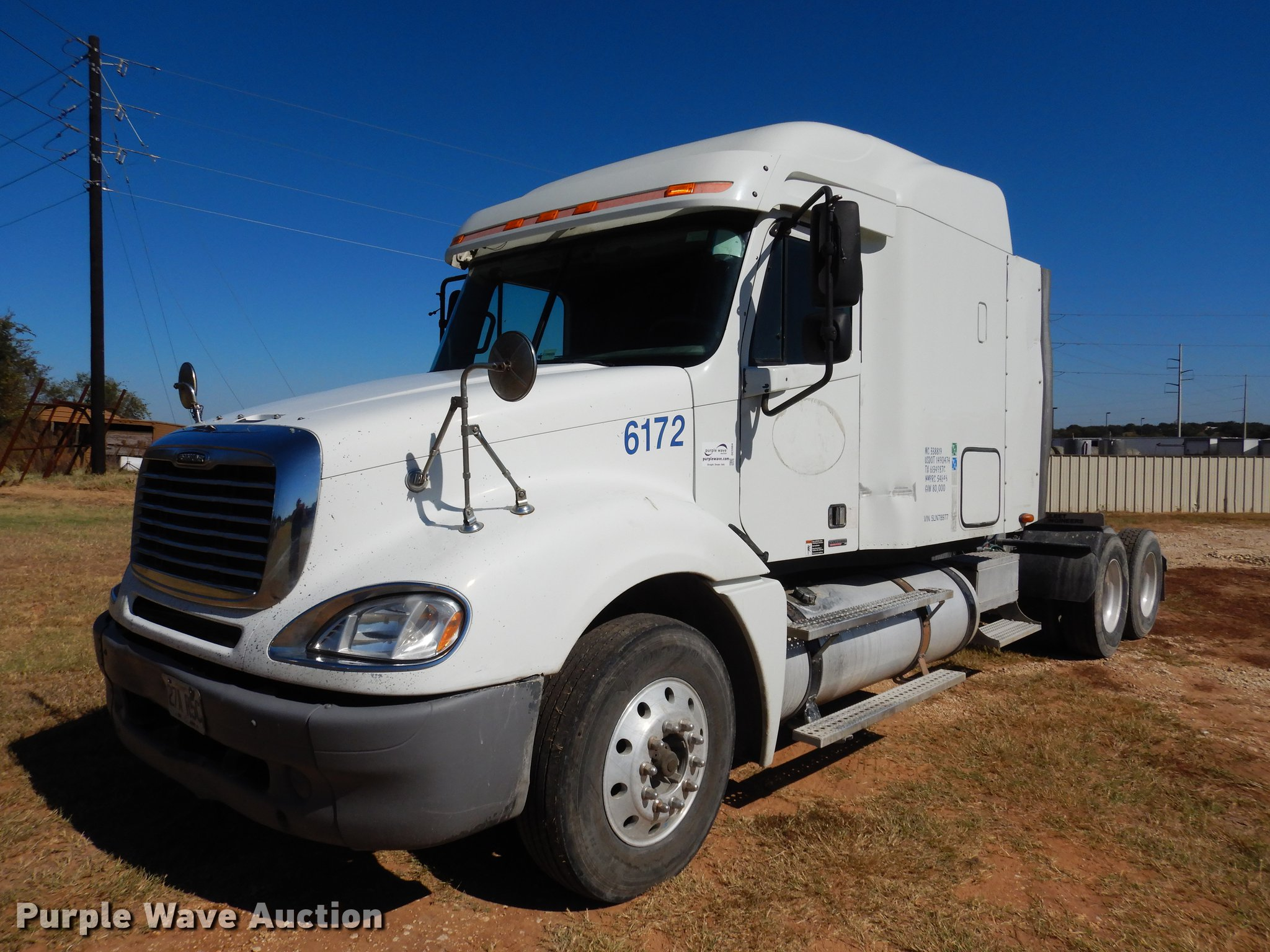 2005 Freightliner Columbia Semi Truck Item Dc5984 Sold Fuel Filters Image For