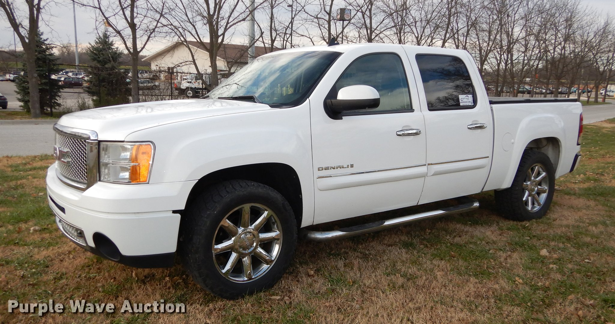 gets premium for trailer gmc news yukon slt with styling the treatment denali truck edition sale