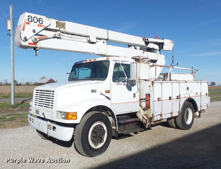 1996 International 4900 bucket truck   Item DB6351   SOLD! D
