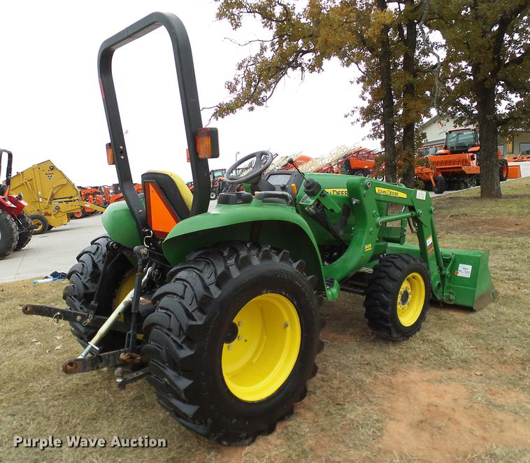 2012 John Deere 3032E MFWD tractor | Item DD1496 | SOLD! Dec