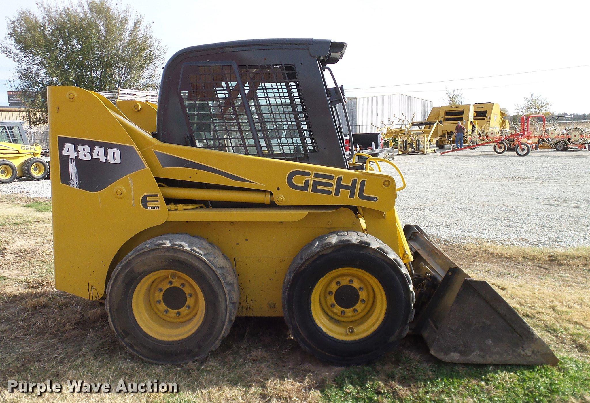 ... Gehl 4840E skid steer Full size in new window ...