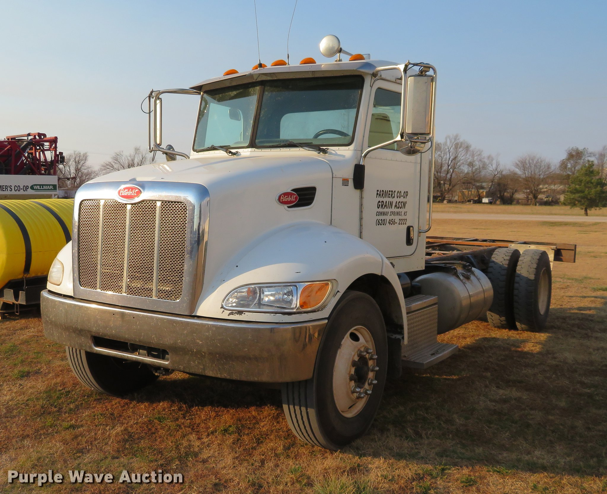 2008 Peterbilt 335 truck cab and chassis | Item DC0809 | SOL