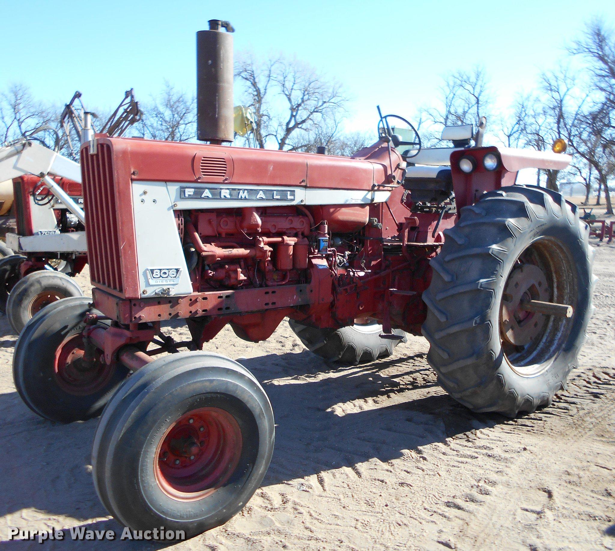 Farmall 806 Tractor