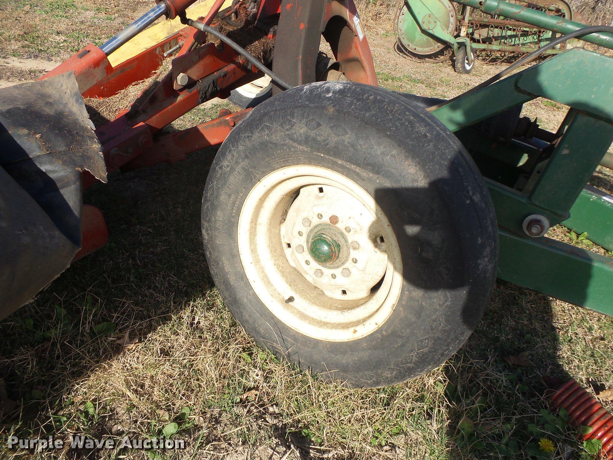 New Holland 617 disc mower | Item DS9649 | SOLD! December 27