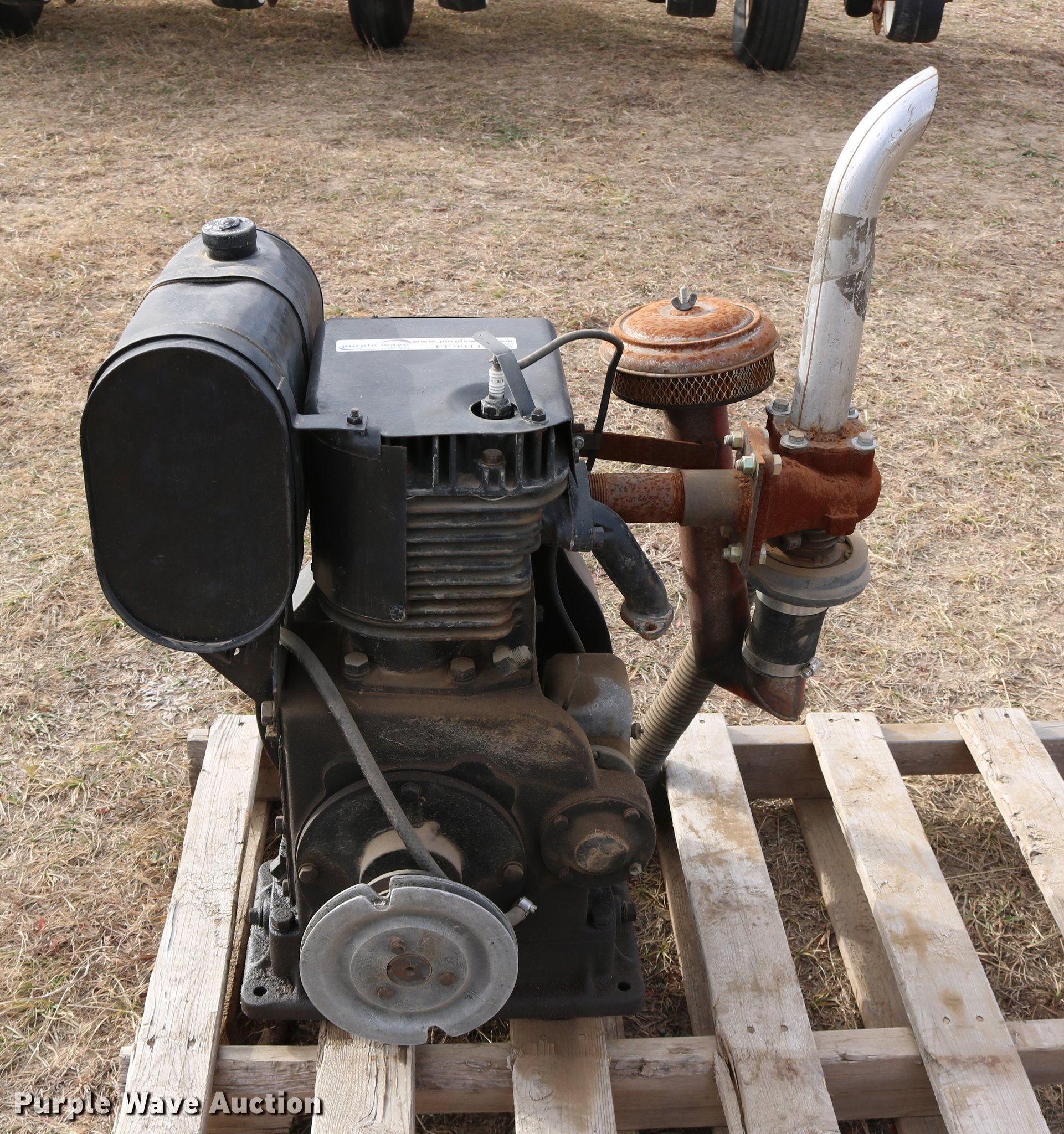 Wisconsin AHH single cylinder gas engine | Item EE9911 | SOL