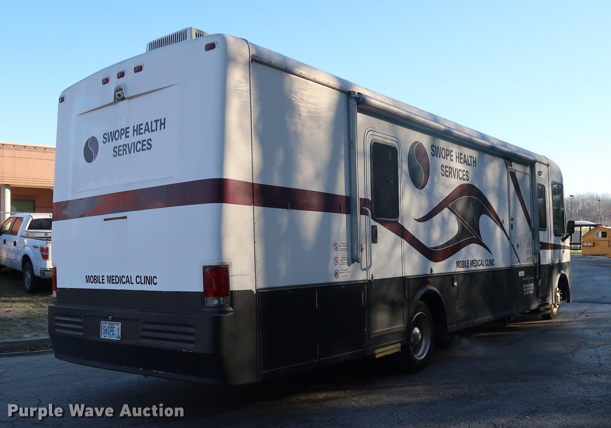 2004 Workhorse W22 mobile medical clinic RV | Item DA8524 |