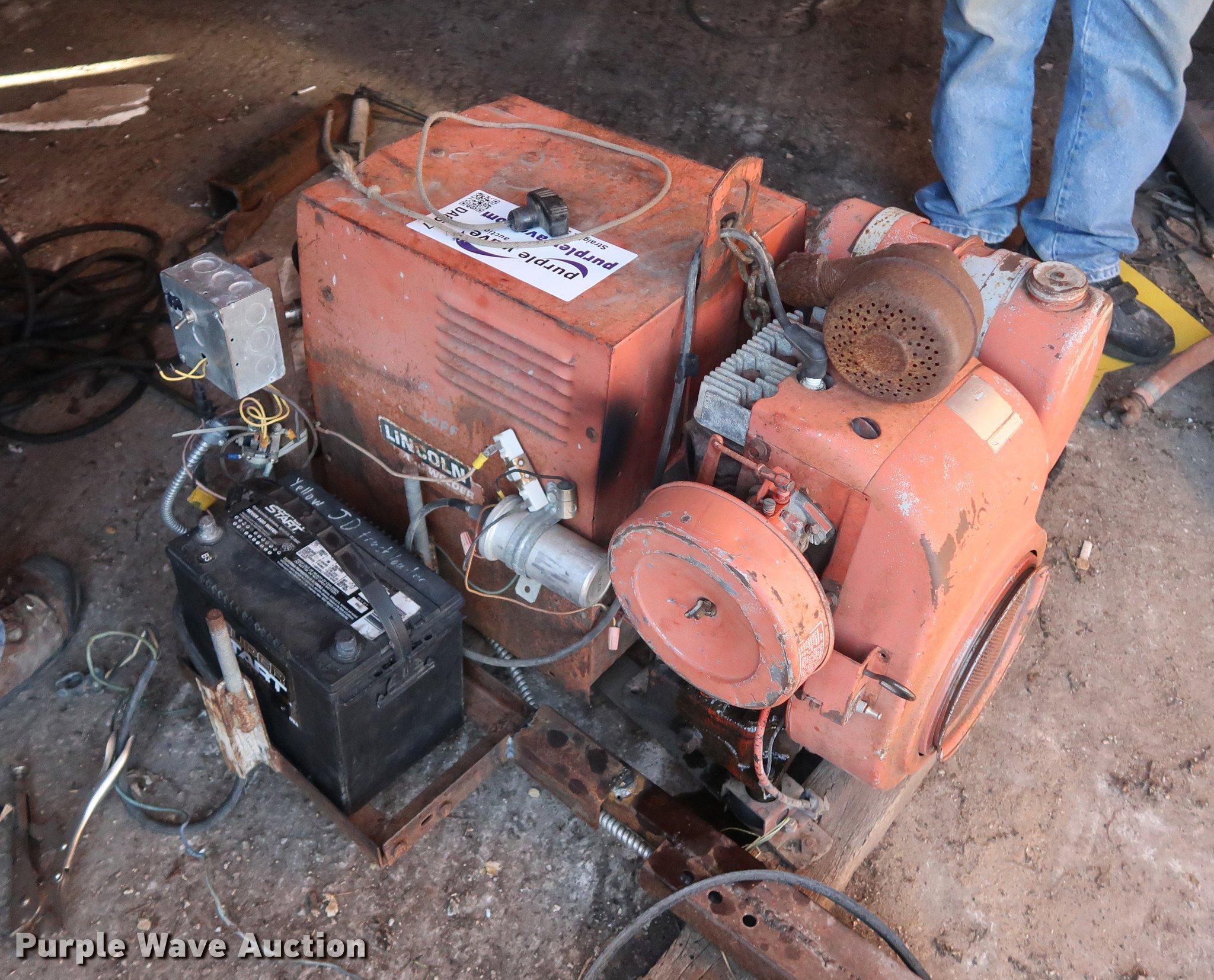 Lincoln Electric Weldan Power 150 welder/generator | Item DA