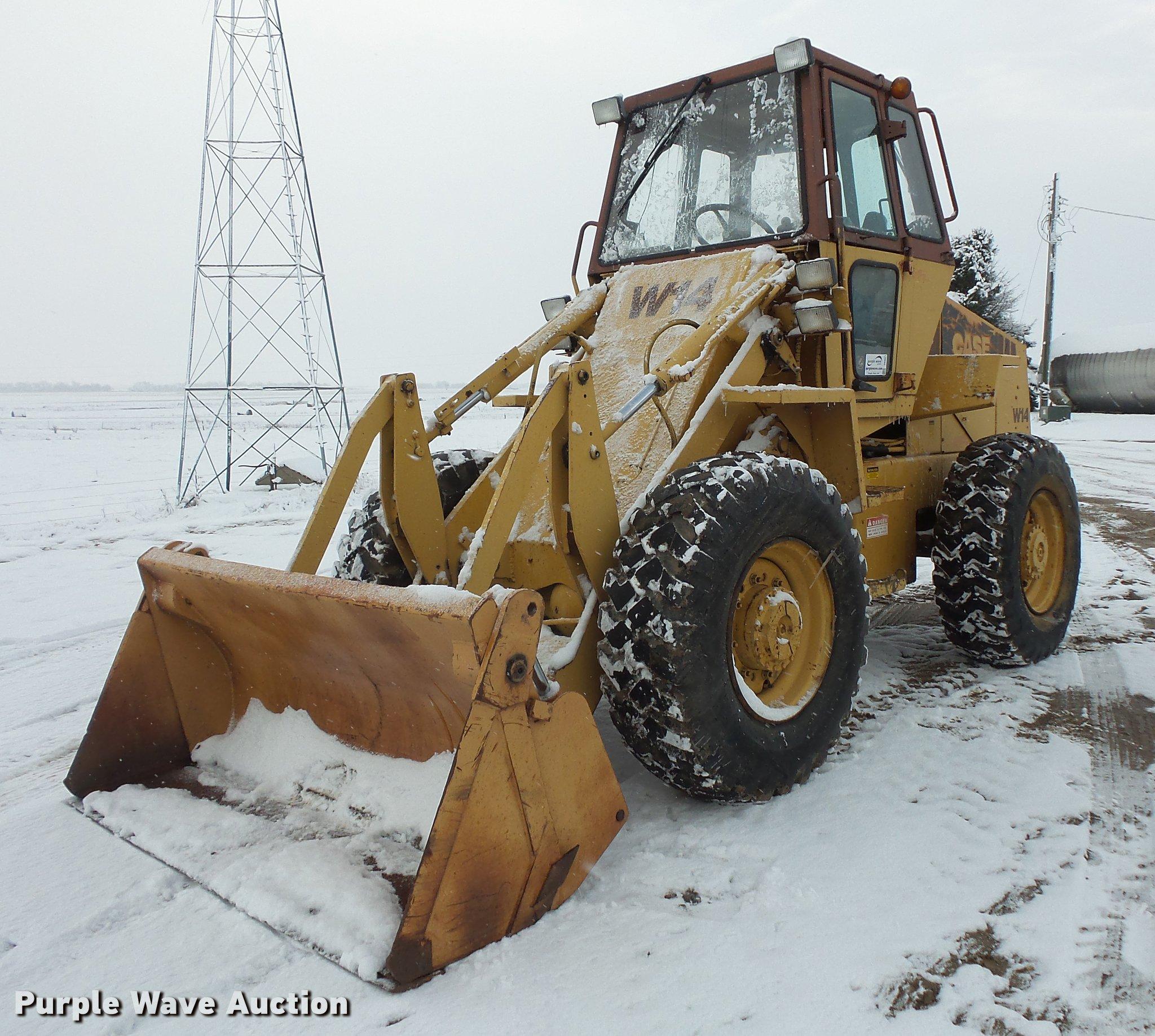 Case W14 wheel loader | Item DB8021 | SOLD! December 27 Vehi...