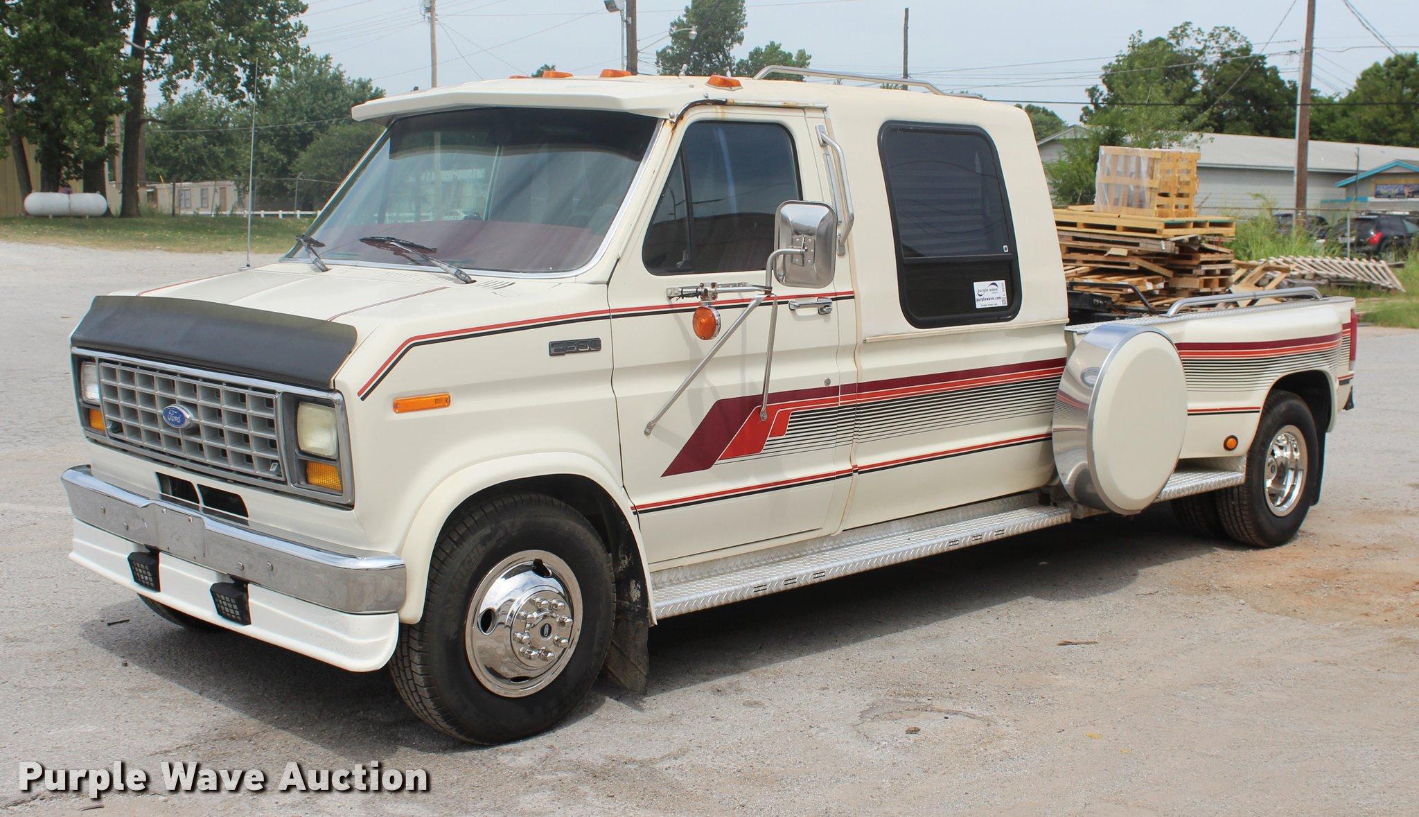 1991 Ford Econoline E350 Crew Cab Truck