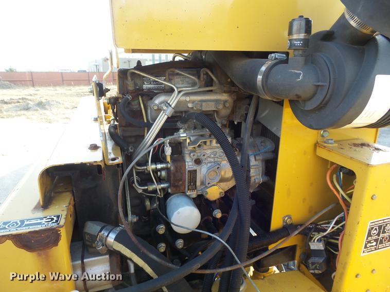 2004 Vermeer SC352 stump grinder | Item DC7487 | SOLD! Decem