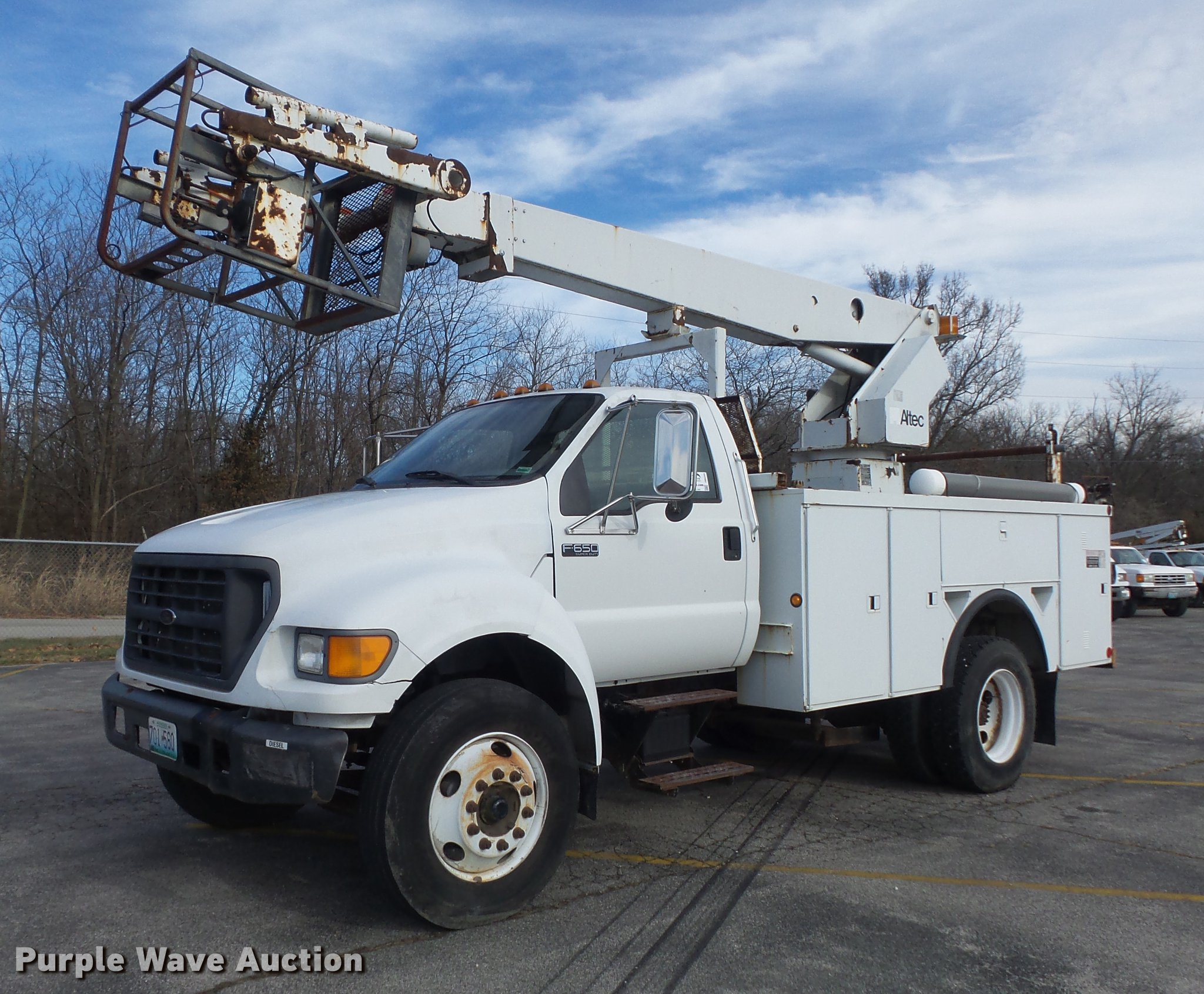 2000 Ford F650 Super Duty XL bucket truck Item DB6269