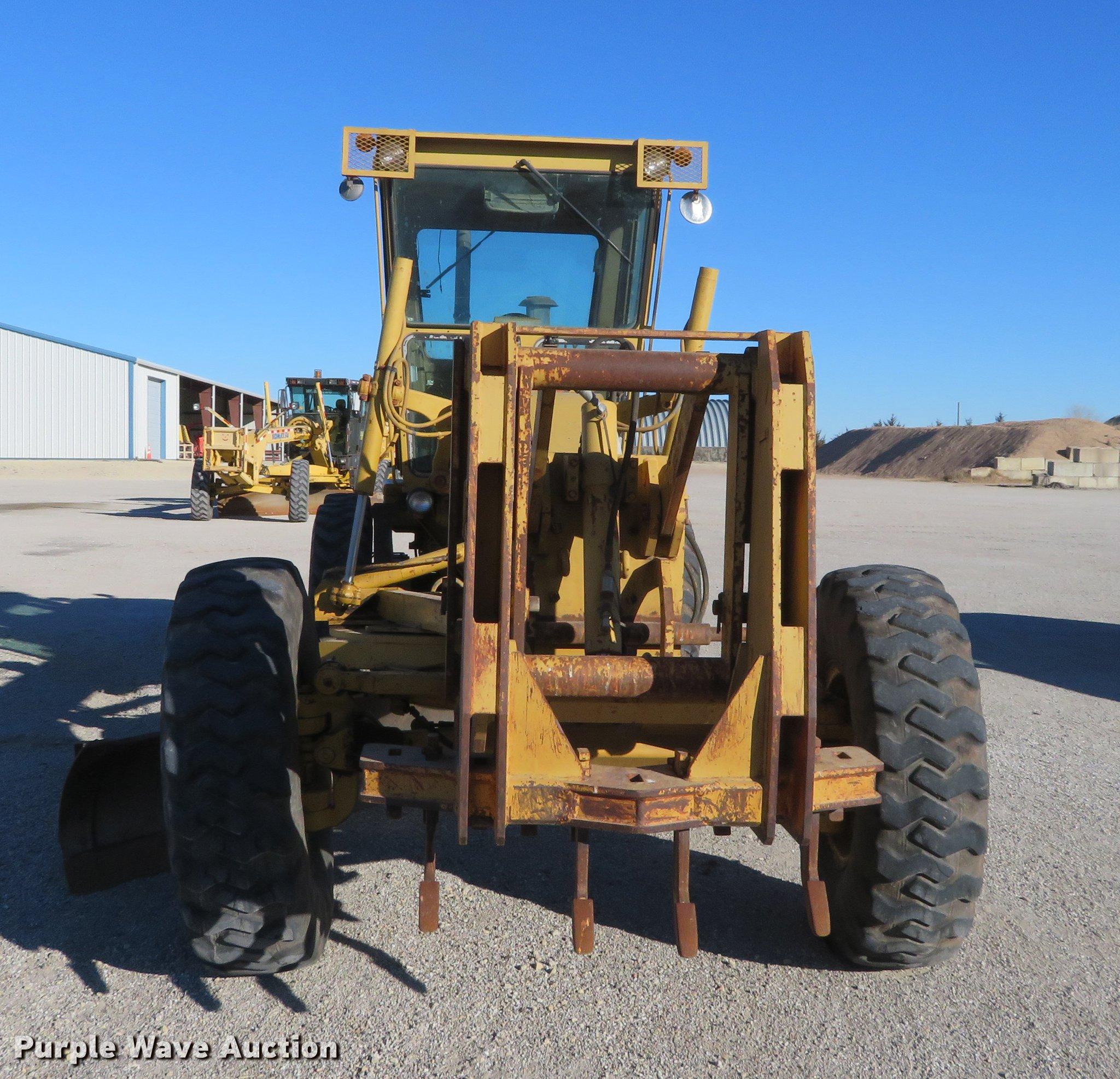 ... Caterpillar 120G motor grader Full size in new window ...