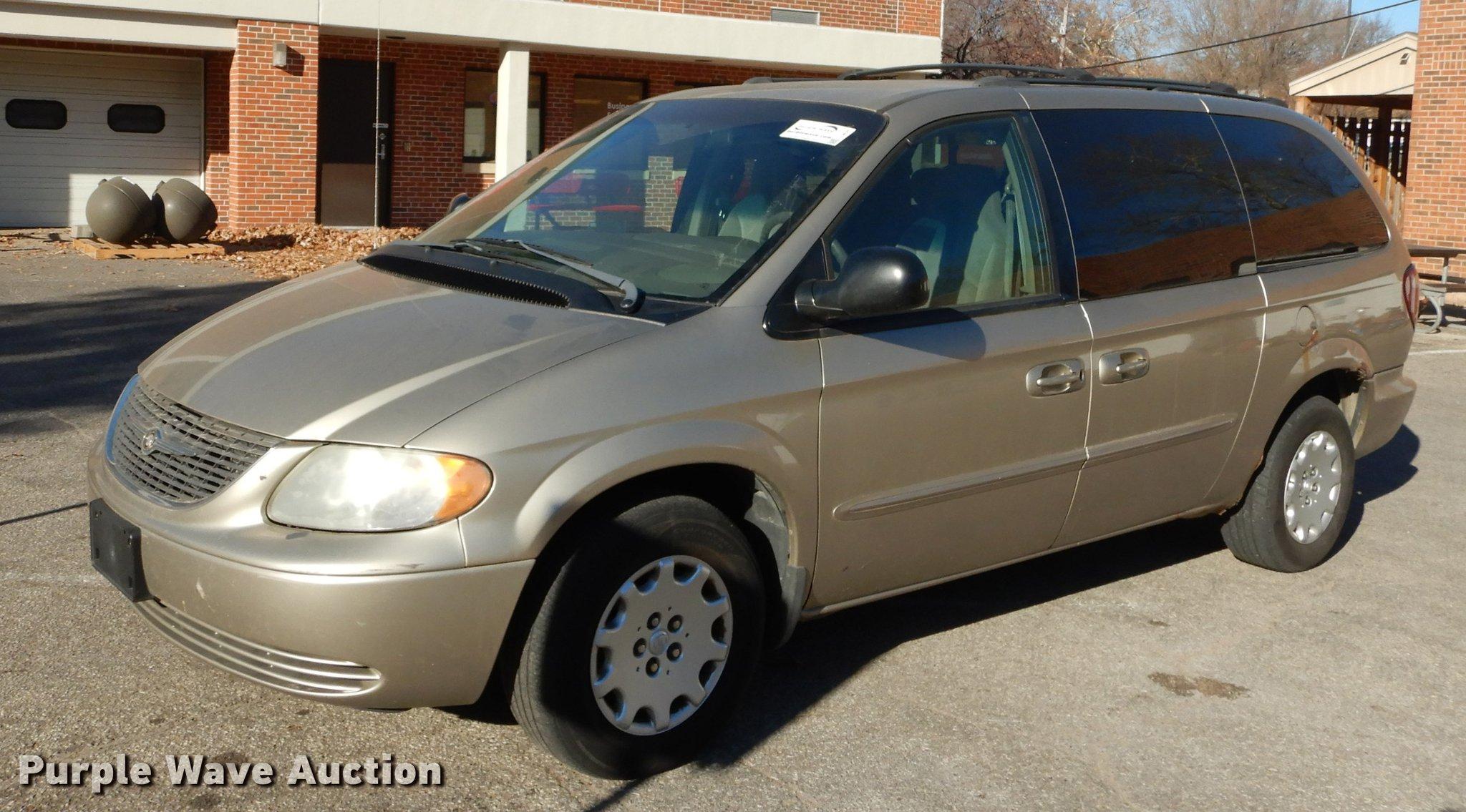 2003 Chrysler Town Country Van Item J5625 Sold Januar