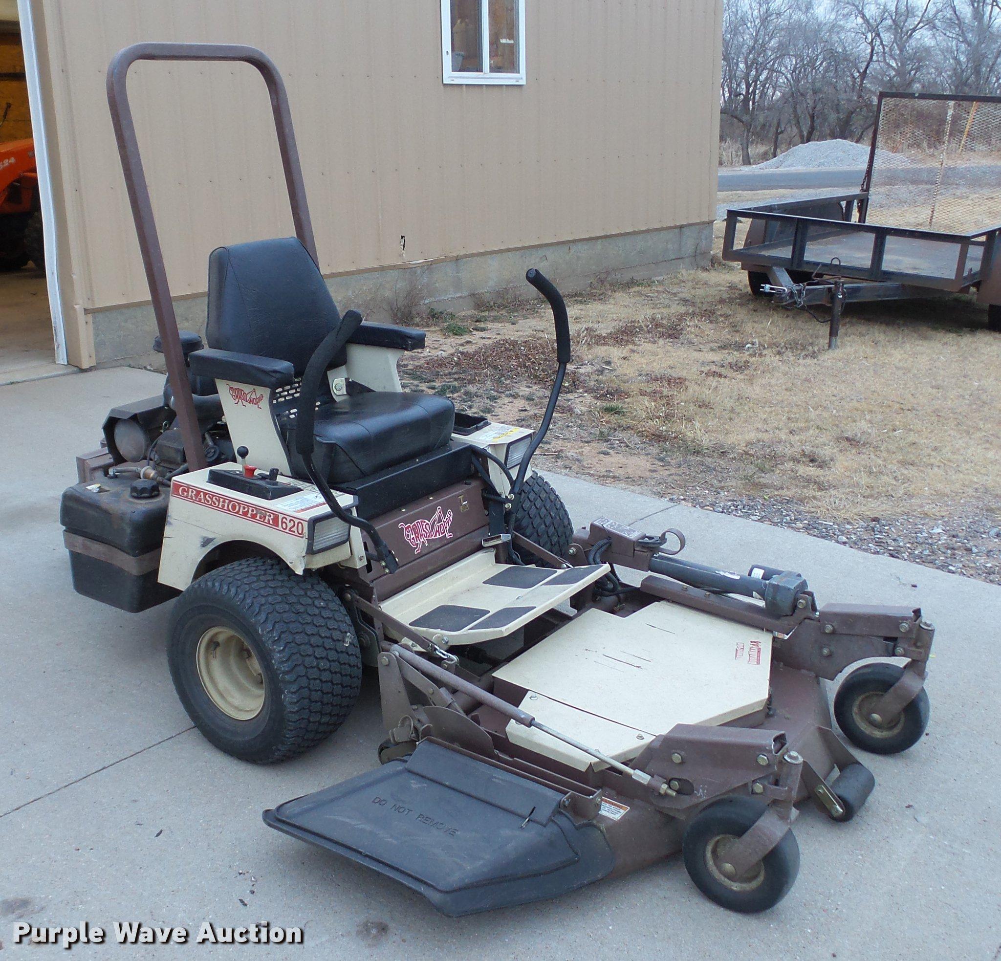 Grasshopper 620T lawn mower | Item DC5718 | SOLD! February 6