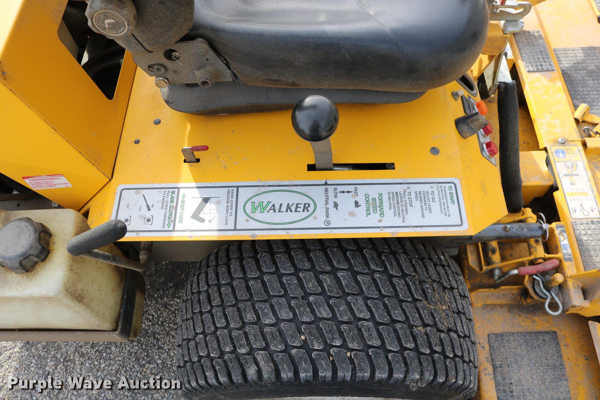 2012 Walker MBS29 ZTR lawn mower   Item EH9588   SOLD! Febru