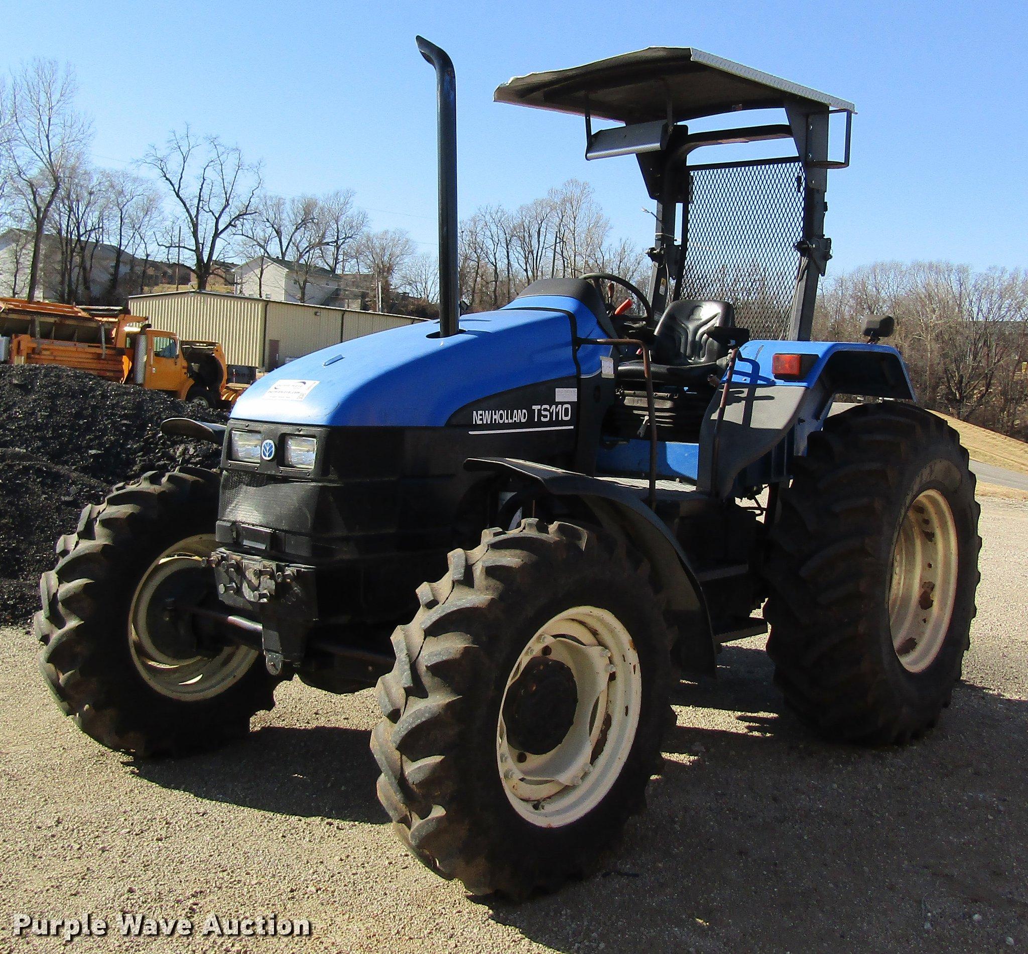 New Holland TS110 MFWD tractor | Item DB9798 | SOLD! Februar