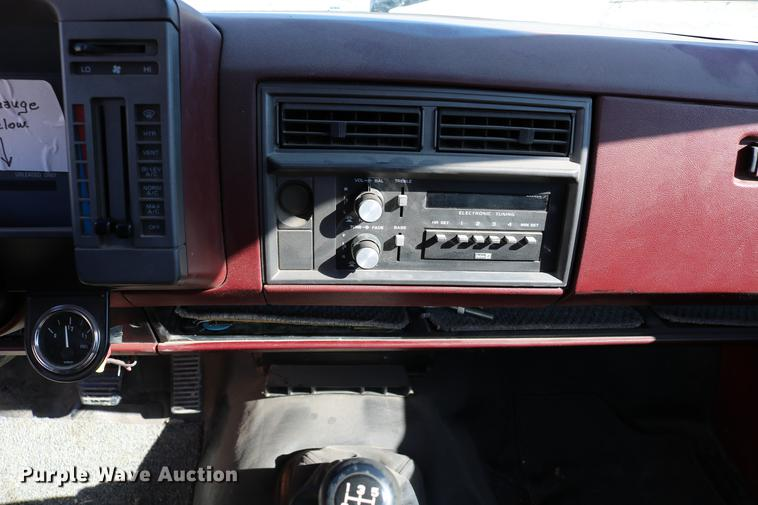 1988 GMC S15 pickup truck | Item DB6581 | SOLD! March 6 Gove