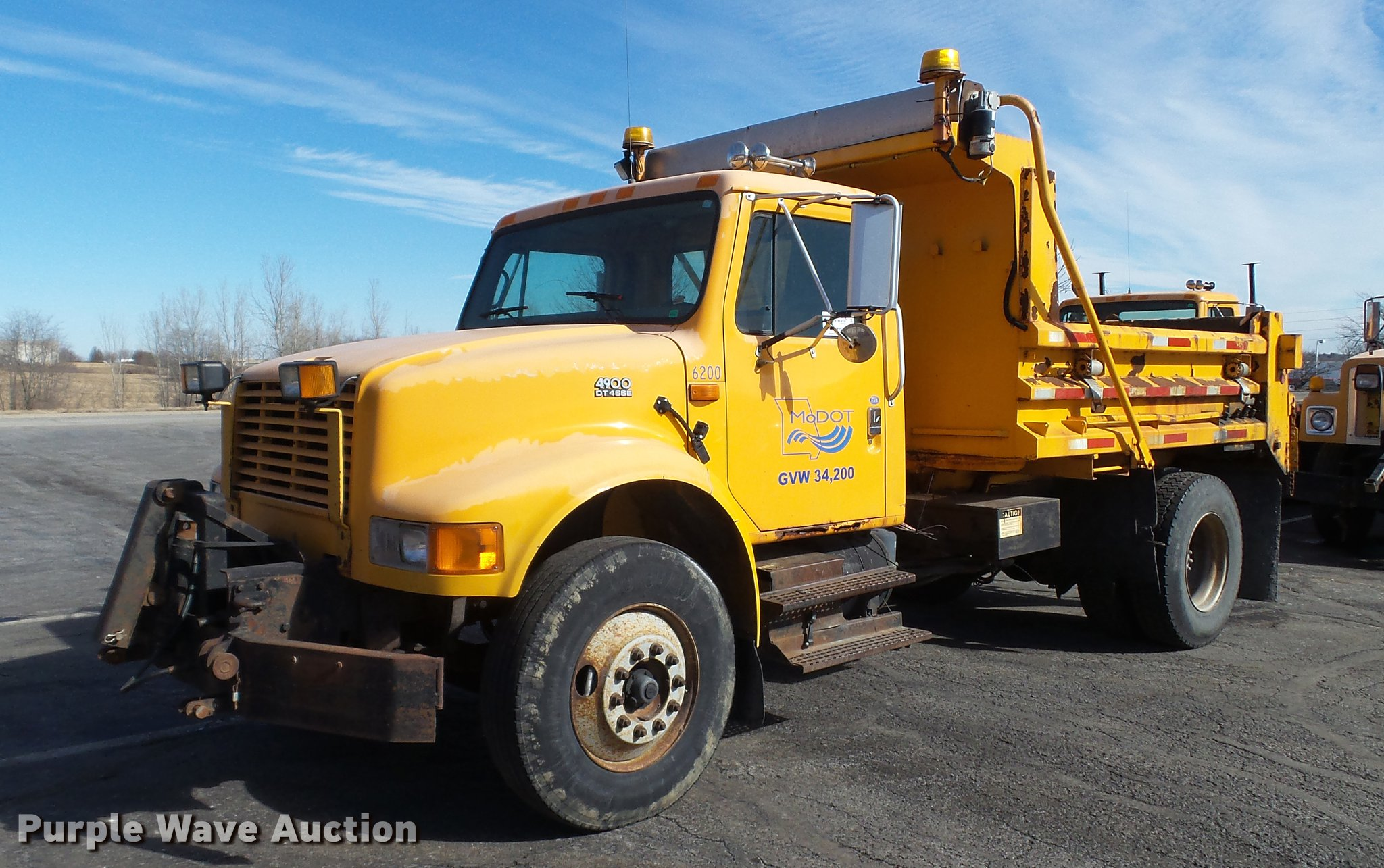 2000 International 4900 dump truck | Item DC5634 | SOLD! Mar