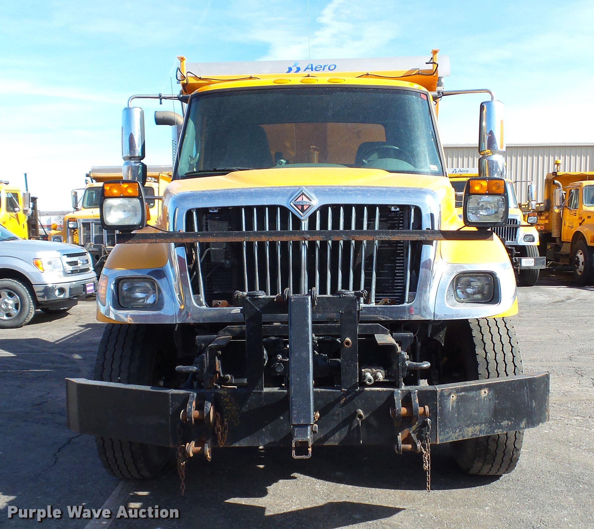 2006 international 7400 dump truck item dc5657 sold mar rh purplewave com 2000 International 9900 Wiring-Diagram International Truck 7400 Series