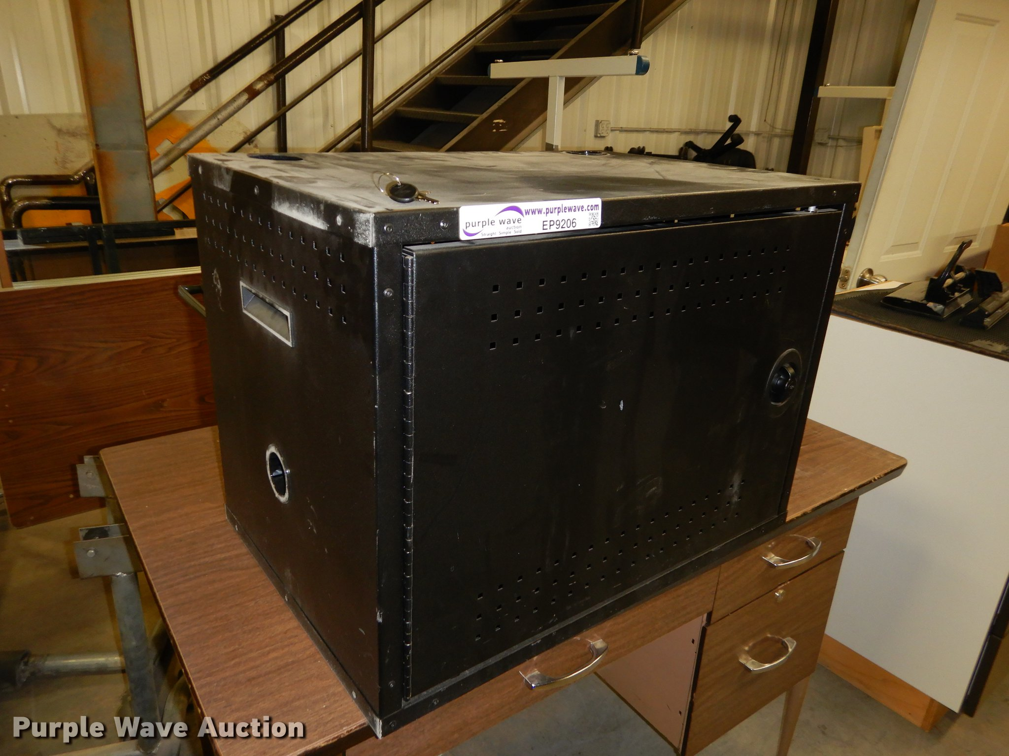 EP9206 Image For Item EP9206 (25) Wall Mounted Laptop Storage Cabinet