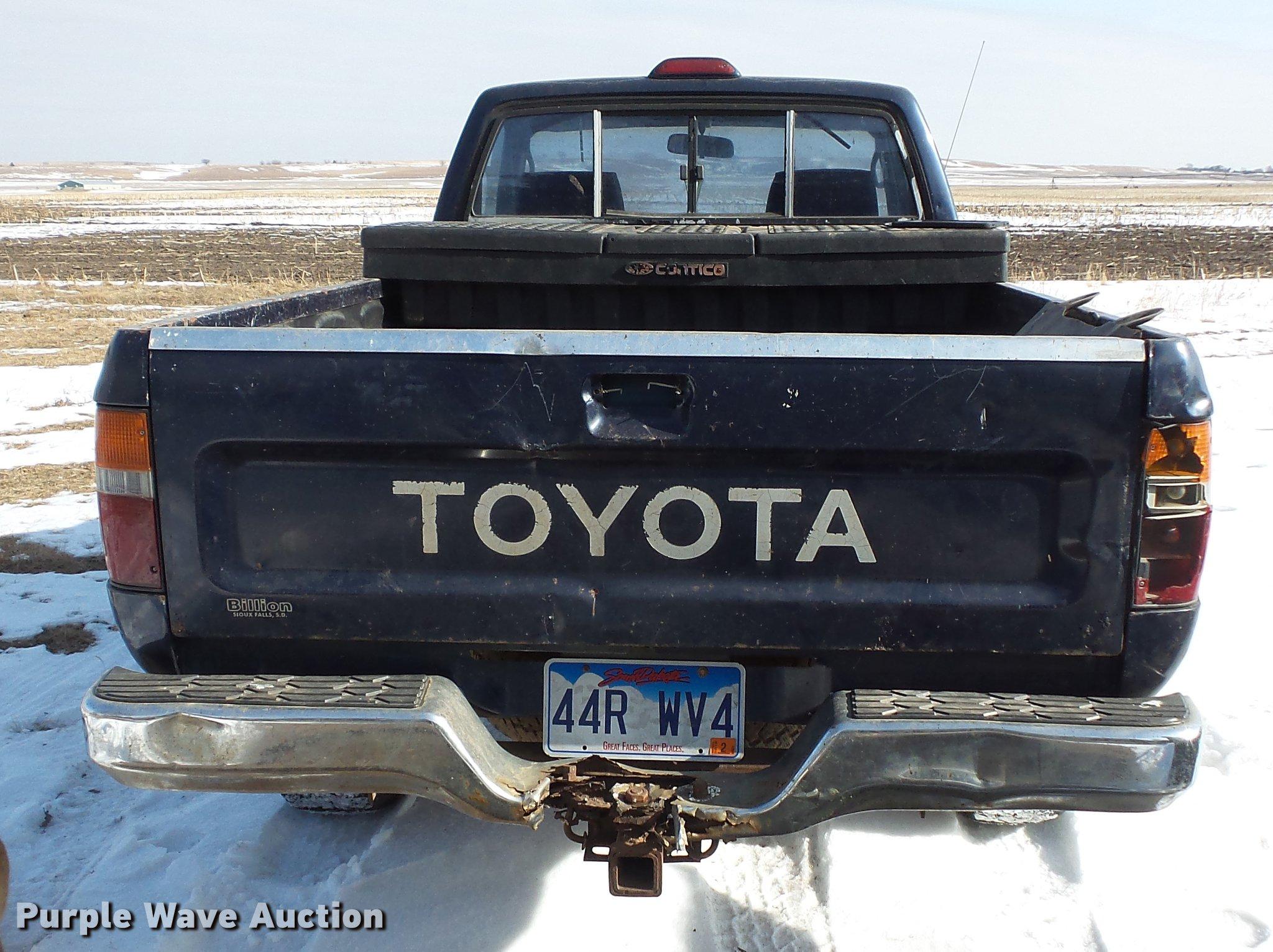 1994 Toyota pickup truck Item EA9697