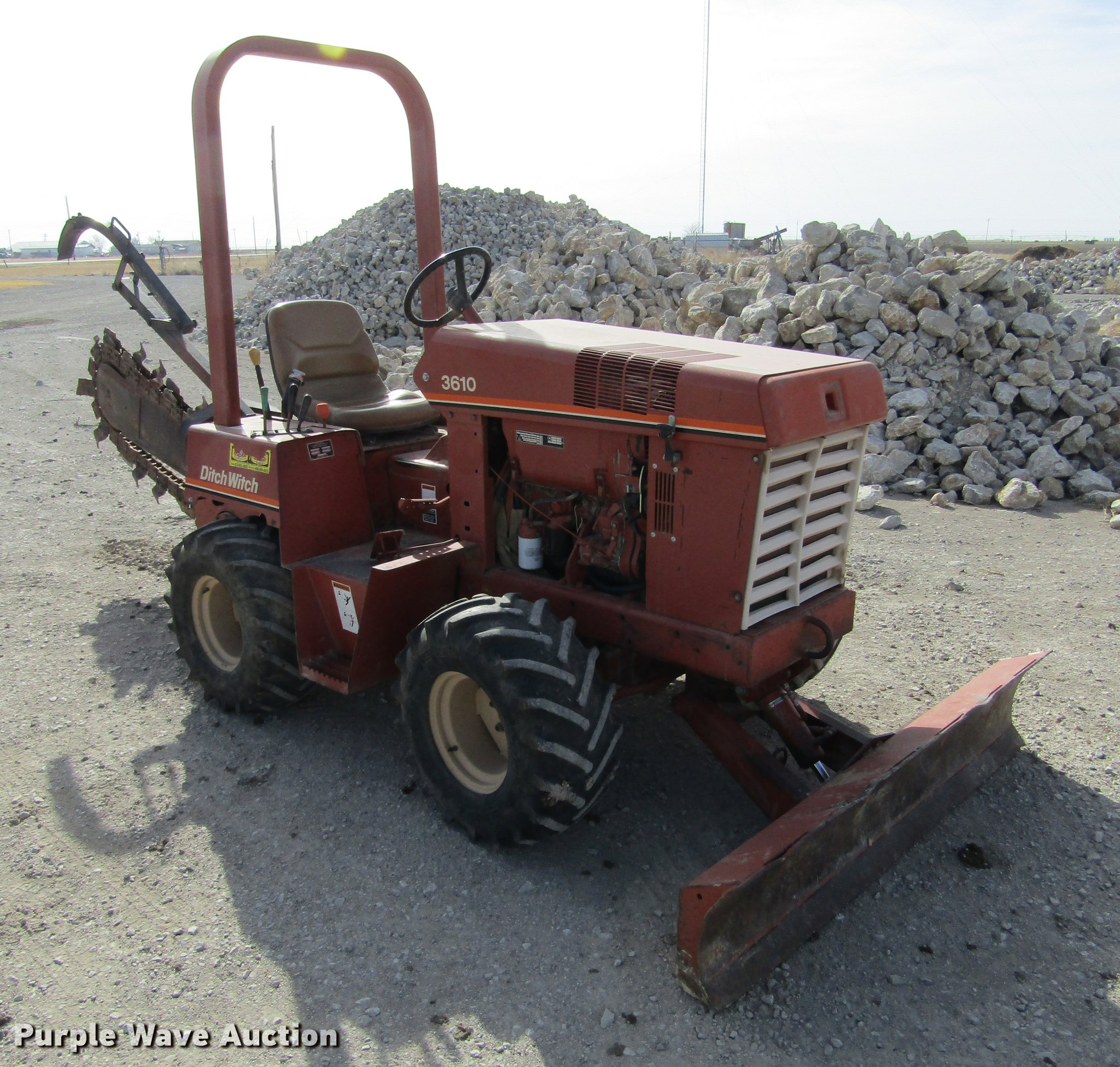 DC8296 image for item DC8296 1995 Ditch Witch 3610DD trencher