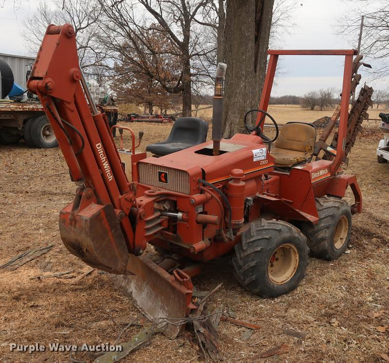 ditch witch 2300 trencher item dd5455 sold march 14 ag rh purplewave com Ditch Witch A220 Ditch Witch 2310