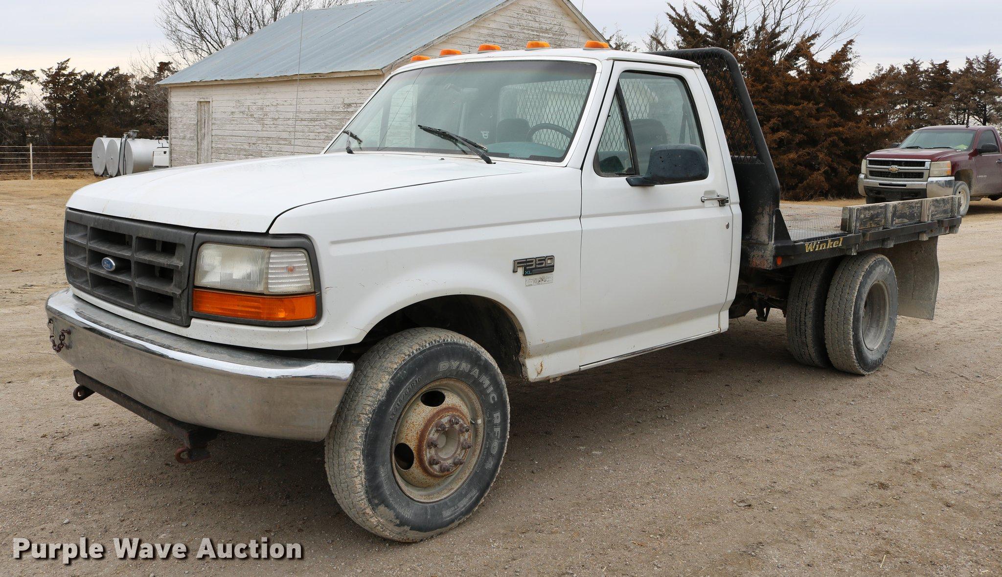 1994 Ford F350 flatbed pickup truck Item DB6579