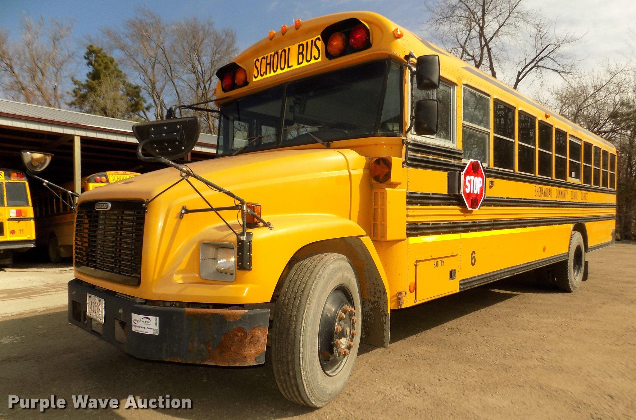DD2878 image for item DD2878 1999 Freightliner FS65 Blue Bird school bus